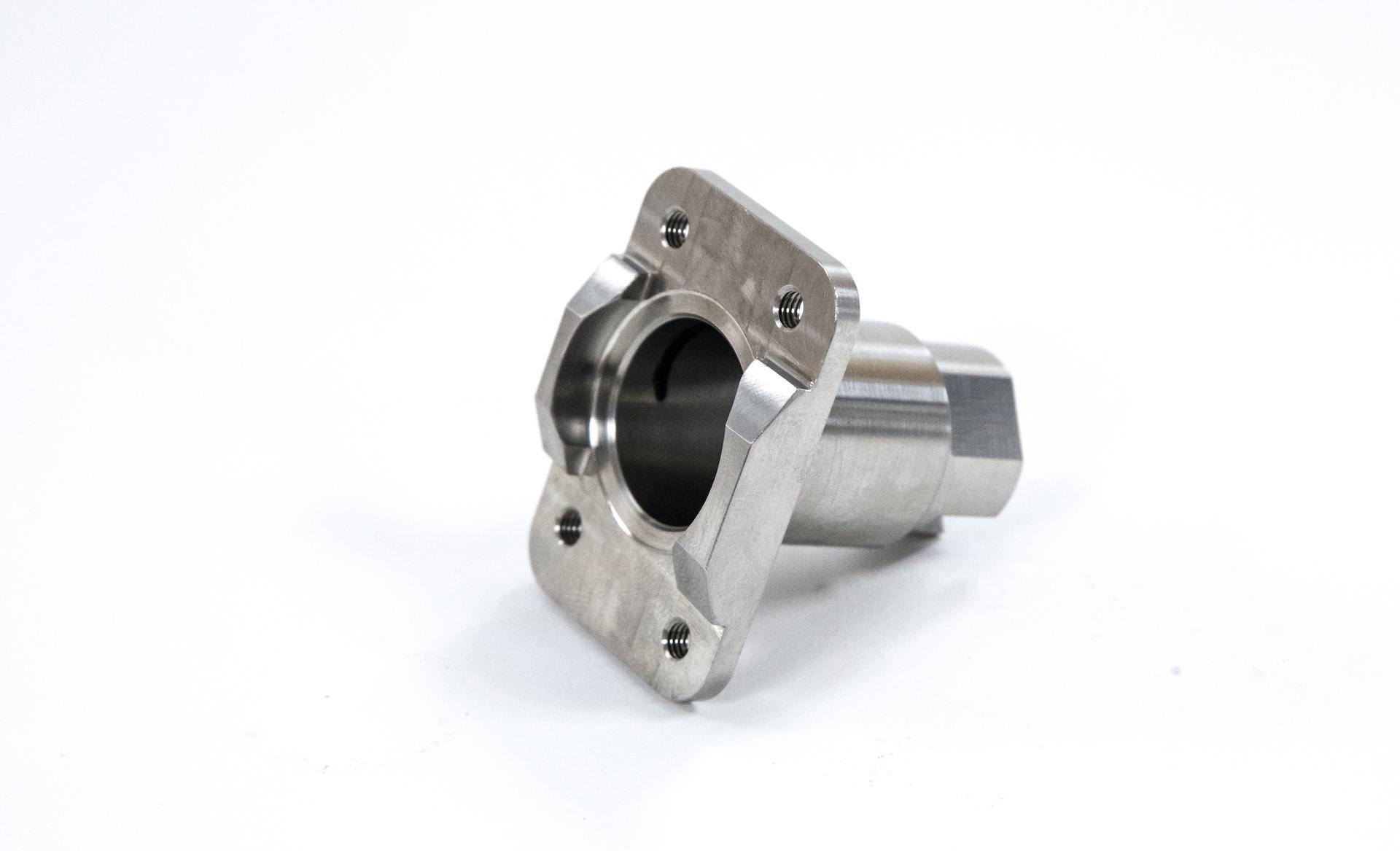 https://www.taylor-engineering.co.uk/wp-content/uploads/capabilities/milling/hurco-part.jpg